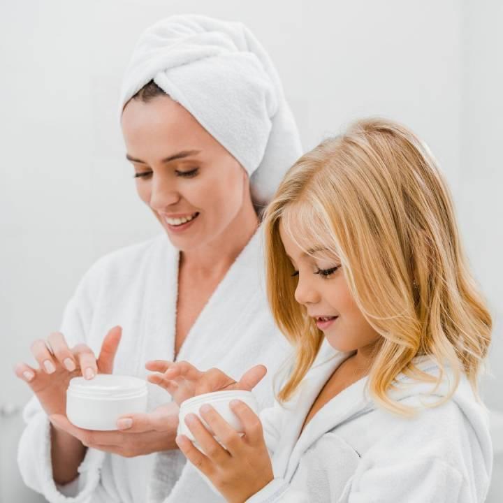 ¿Por qué es importante cuidar la piel en casa?